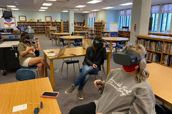 Spanish Fort Elementary Gets VR Goggles